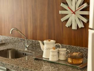 Cocinas de estilo moderno de AND Arquitetura Moderno