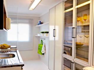 AP. ALLEGRO - 2012 - COZINHA: Cozinhas  por AND Arquitetura