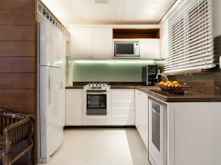 Romantismo na cozinha: Cozinhas  por Craft-Espaço de Arquitetura