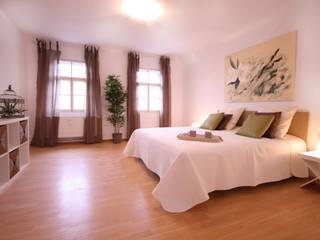 Schlafzimmer: moderne Schlafzimmer von Home Staging Cornelia Reichel