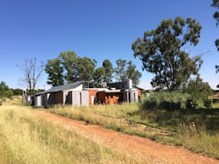 House Lubbe, Free State, South Africa Country style house by Sm!t Architects Country