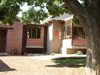 House De Necker, Free State, Bloemfontein by Sm!t Architects