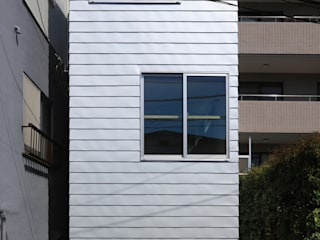 House at Hommachi Eclectic style houses by アトリエハコ建築設計事務所/atelier HAKO architects Eclectic