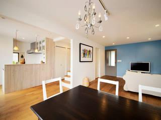 実家を完全分離の二世帯住宅に。デザインにもこだわった理想のすまい。: 株式会社スタイル工房が手掛けたです。