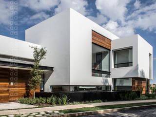 CASA AGR: Casas de estilo moderno por ADI