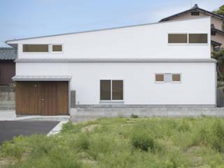 五十嵐の家03/高低差のある家 モダンな 家 の 加藤淳一級建築士事務所 モダン