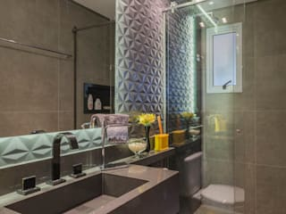 Modern bathroom by Lo. interiores Modern