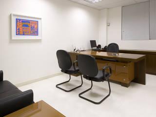 Edificios de Oficinas de estilo  por Andréa Buratto Arquitetura & Decoração