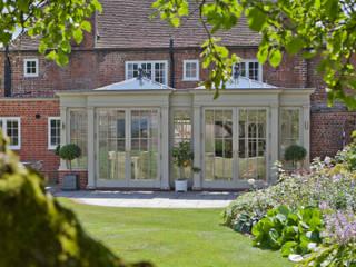 Orangery with Gothic Detailing Konservatori Klasik Oleh Vale Garden Houses Klasik