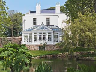 Grand Conservatory on a Substantial Channel Islands Property Konservatori Klasik Oleh Vale Garden Houses Klasik