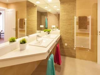 Habitación de hotel en Málaga. : Hoteles de estilo  de Andreas Grunau Servicios Fotográficos,