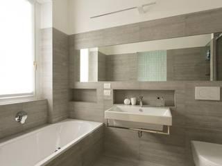 Casas de banho modernas por Luigi Brenna Architetto Moderno