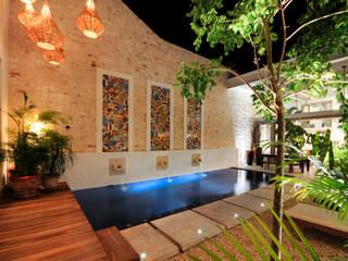 La Casa de las Sirenas: Albercas de estilo moderno por Ancona + Ancona Arquitectos