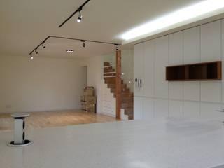 제일리주택 건축사사무소 리임 미니멀리스트 거실 화이트
