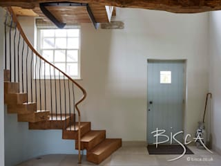 Staircase for Farmhouse Restoration, Yorkshire Bisca Staircases Pasillos, vestíbulos y escaleras de estilo rústico