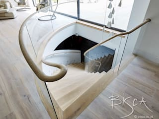 Basement Helical Staircase Design 4389 Bisca Staircases Cucina in stile scandinavo