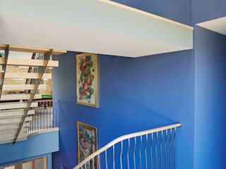 Complementary Stairs in Glasgow New Build Bisca Staircases Ingresso, Corridoio & Scale in stile classico