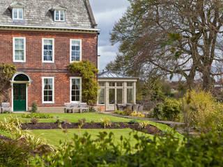 Spacious Orangery For An Old Rectory Konservatori Klasik Oleh Vale Garden Houses Klasik