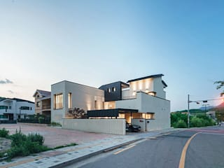 진관동주택: 제이에이치와이 건축사사무소의  주택