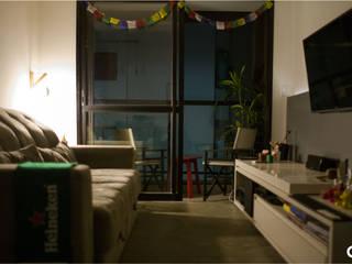 Sala Jovem Solteiro Salas de estar industriais por CTRL | arquitetura e design Industrial