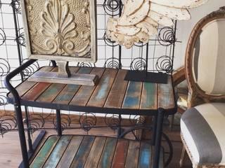 Mesa Rodante Antigua:  de estilo  por Dos Lunas Deco