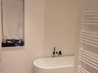 Badkamer: moderne Badkamer door stucamor