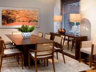 Salas de Jantar: Salas de jantar  por Emporio dei Mobili