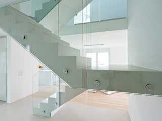 Modern Corridor, Hallway and Staircase by Loftflor GmbH & Co KG Modern