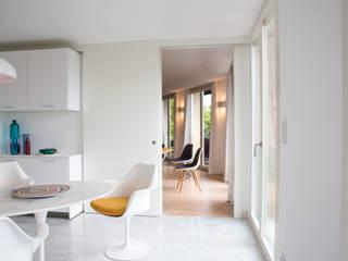 Uma cozinha renovada Architect Your Home Cozinhas modernas Branco