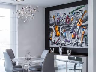 Akrylowy transparentny stół do jadalni z plexi UCCOI® od UCCOI® producent mebli i dekoracji z plexi Nowoczesny