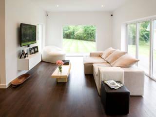 Fazer uma casa de raiz Architect Your Home Salas multimédia modernas