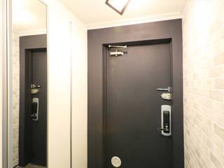 중흥마을 48평 Modern Corridor, Hallway and Staircase by 금화 인테리어 Modern
