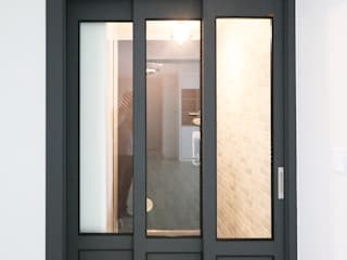 중흥마을 48평 Modern Windows and Doors by 금화 인테리어 Modern