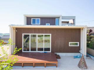 Maisons modernes par ナイトウタカシ建築設計事務所 Moderne