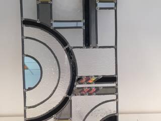 Vitrail Art Déco pour porte de salle de bain Salle de bain moderne par L'Ame du Vitrail Moderne