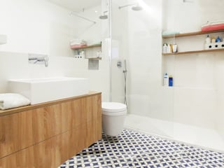 homify Scandinavian style bathroom