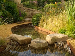 RHS Zoflora: Outstanding Natural Beauty. Country style garden by Elks-Smith Landscape and Garden Design Country