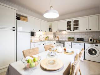 Nhà bếp phong cách Bắc Âu bởi homify Bắc Âu