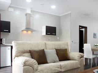 Modern living room by Mohedano Estudio de Arquitectura S.L.P. Modern