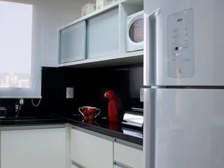 Кухни в . Автор – Angela Ognibeni Arquitetura e Interiores, Модерн