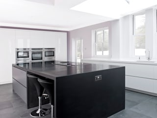 Danbury - Chelmsford - Essex: modern Kitchen by en masse bespoke