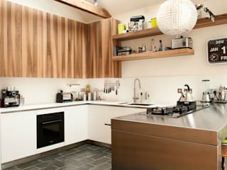 Great Dunmow - Essex: modern Kitchen by en masse bespoke