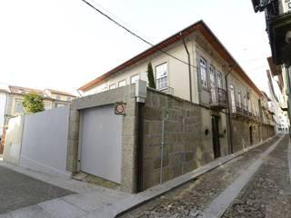 Moderne Häuser von Atelier fernando alves arquitecto l.da Modern