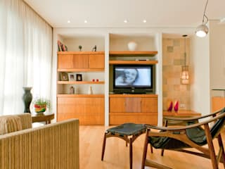Enzo Sobocinski Arquitetura & Interiores Living room Wood Wood effect
