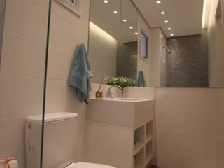 Pricila Dalzochio Arquitetura e Interiores Baños modernos Blanco