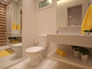 Pricila Dalzochio Arquitetura e Interiores Baños modernos Amarillo