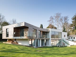 Contemporary home, Hampshire:   by Witcher Crawford