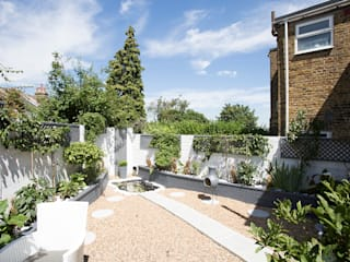 Garden - Greenwich South London من Millennium Interior Designers