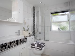 Bathroom - Greenwich - South London di Millennium Interior Designers