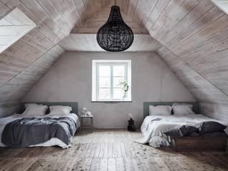 Il fascino dello stile nordico in una villa del '700: Camera da letto in stile in stile Scandinavo di Design for Love